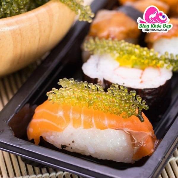 Cách làm Sushi rong nho cá hồi