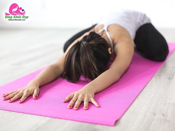 Bải tập Yoga tư thế em bé se khít vùng kín