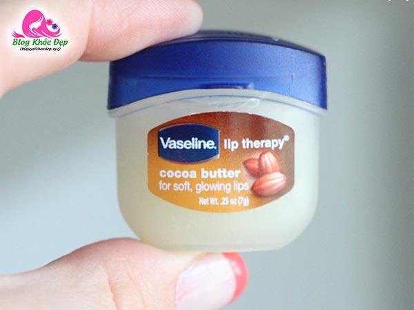 Cách làm lông mi dài và dày bằng vaseline