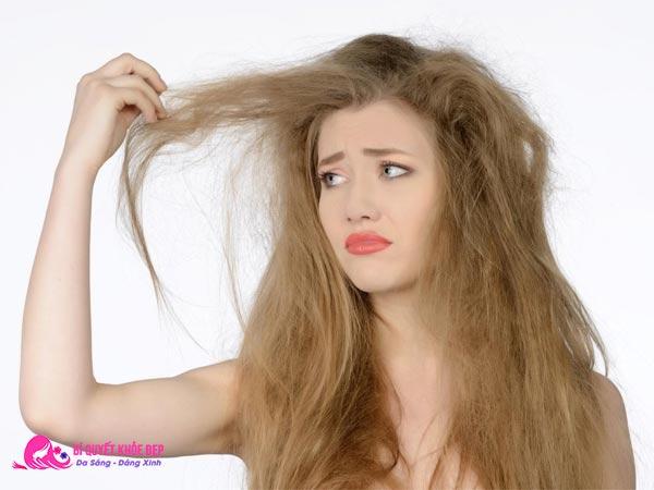 Nguyên nhân gây rụng tóc nhiều ở nữ