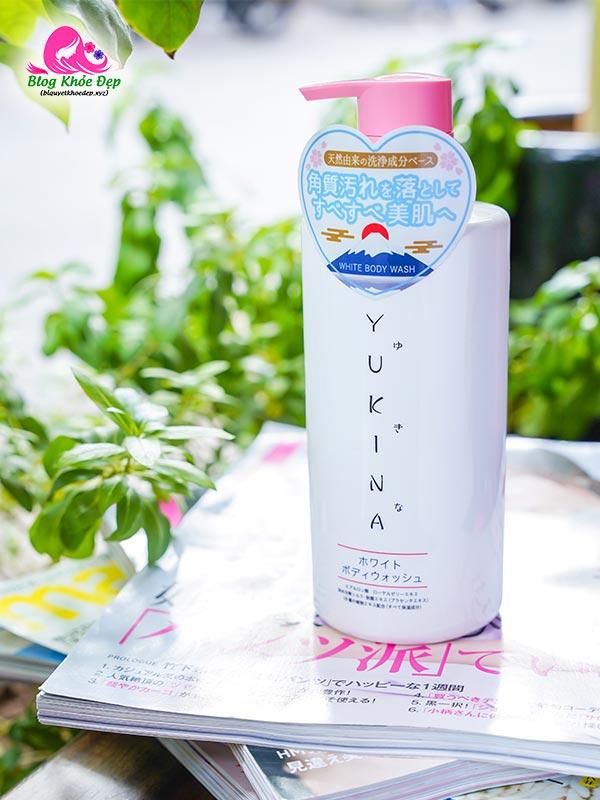 Sữa tắm trắng da không ăn nắng Yukina của Nhật Bản